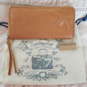 Cowboysbag honey Calf Leather zip around  wallet